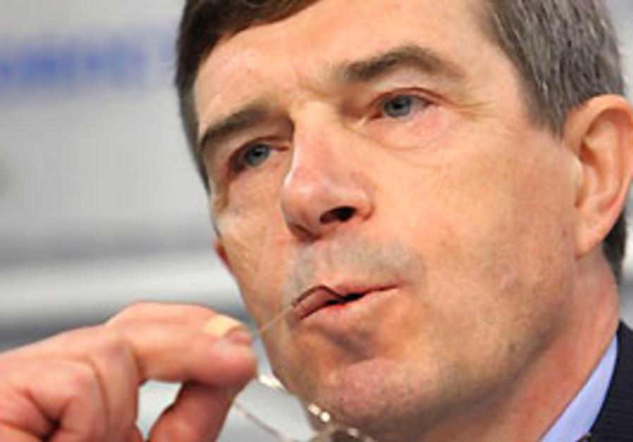 Rosoboronexport head Anatoly Isaikin.