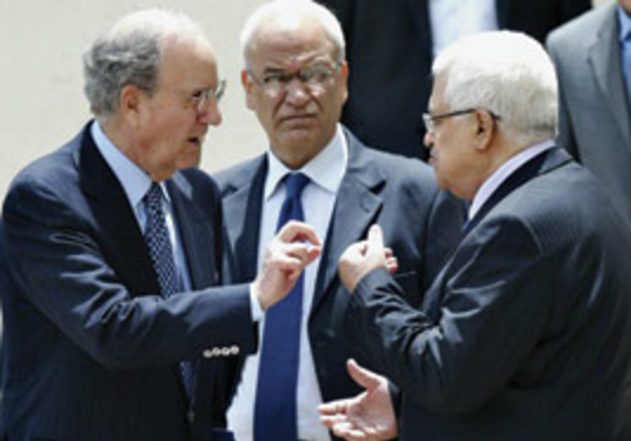Mitchell with Erekat and Abbas
