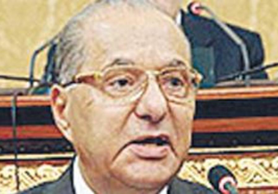 Egyptian Minister Mahmoud Hamdi Zaqzouq.