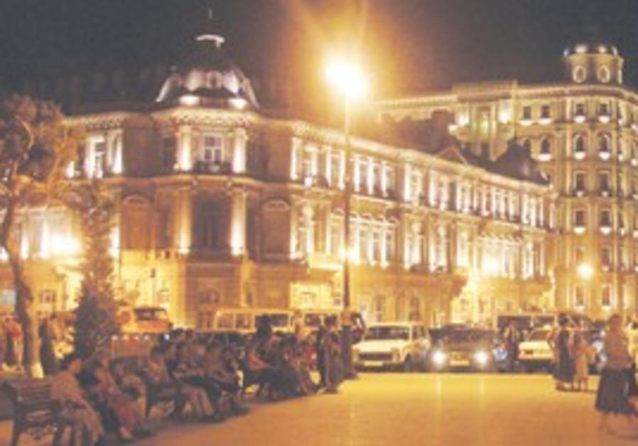 Azneft Square, Baku