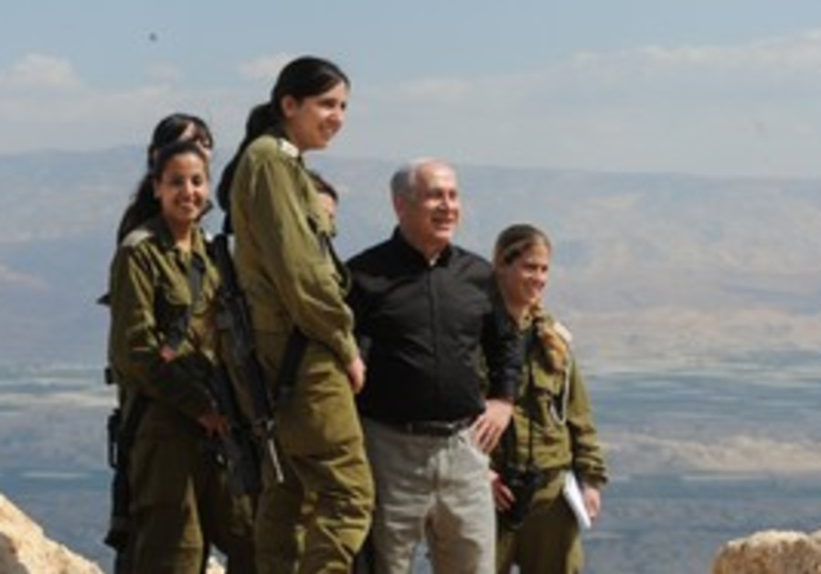 Netanyahu with soldiers near Jordan