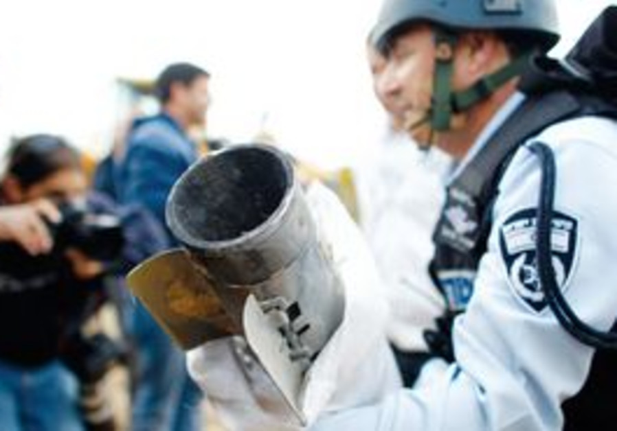 Police move grad rocket shell