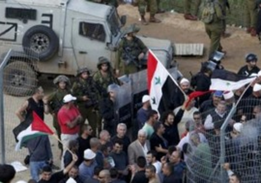 IDF soldiers bring Syrian infiltrators back
