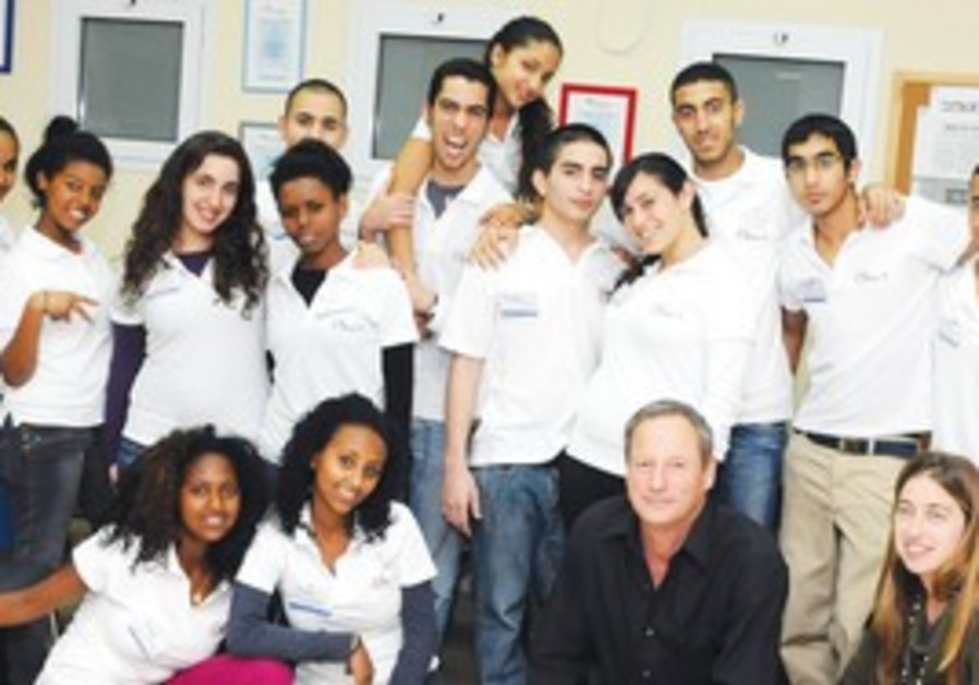 THE 4SETO group of young entrepreneurs