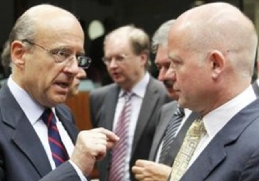 France's Juppe and Britain's Hague at EU meeting