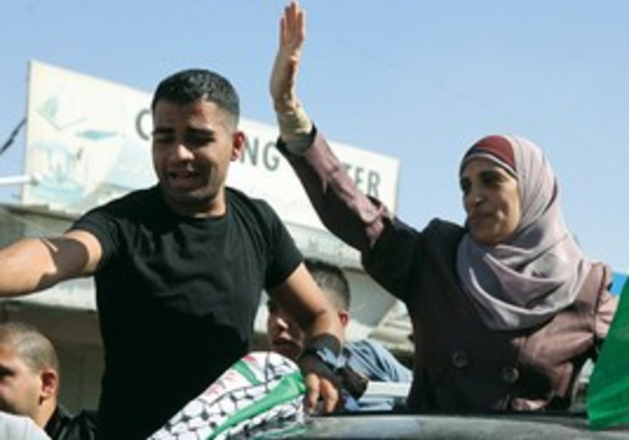 Palestinian inmates released to east Jerusalem