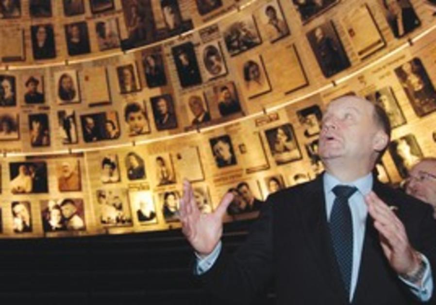Lithuanian PM Andrius Kubilius at Yad Vashem.