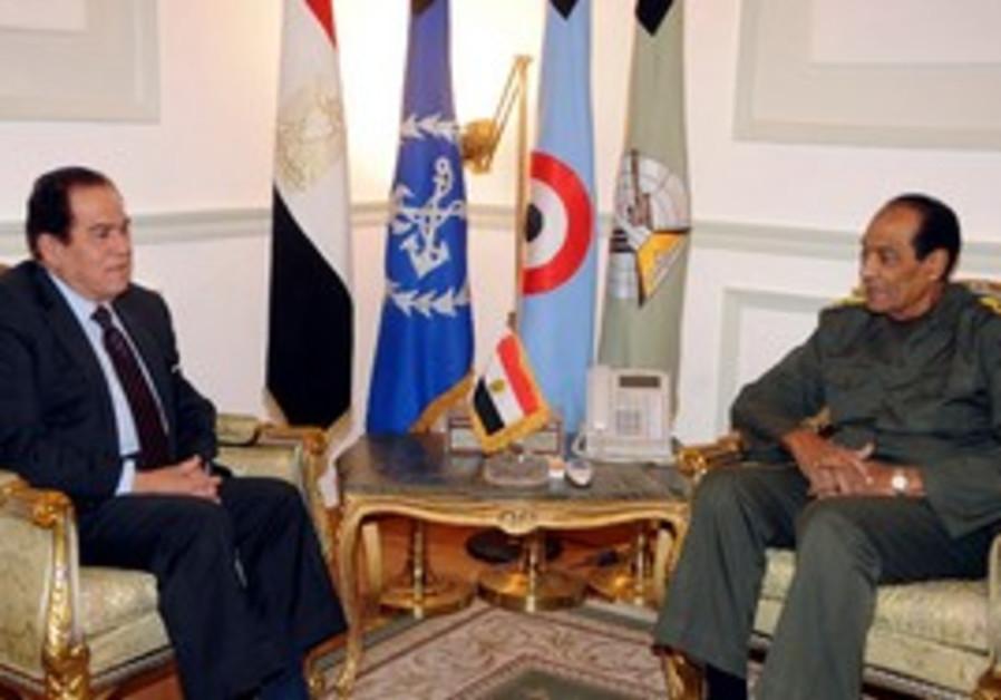 Tantawi meets with Kamal Ganzouri