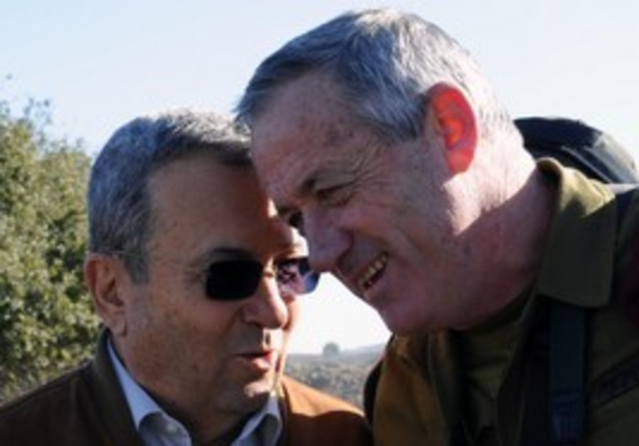 Ehud Barak and Benny Gantz at Golani Brigade drill