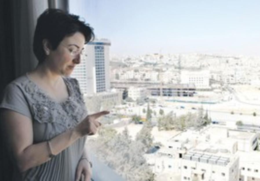 MK ZOABI speaks to reporters in Amman [file]