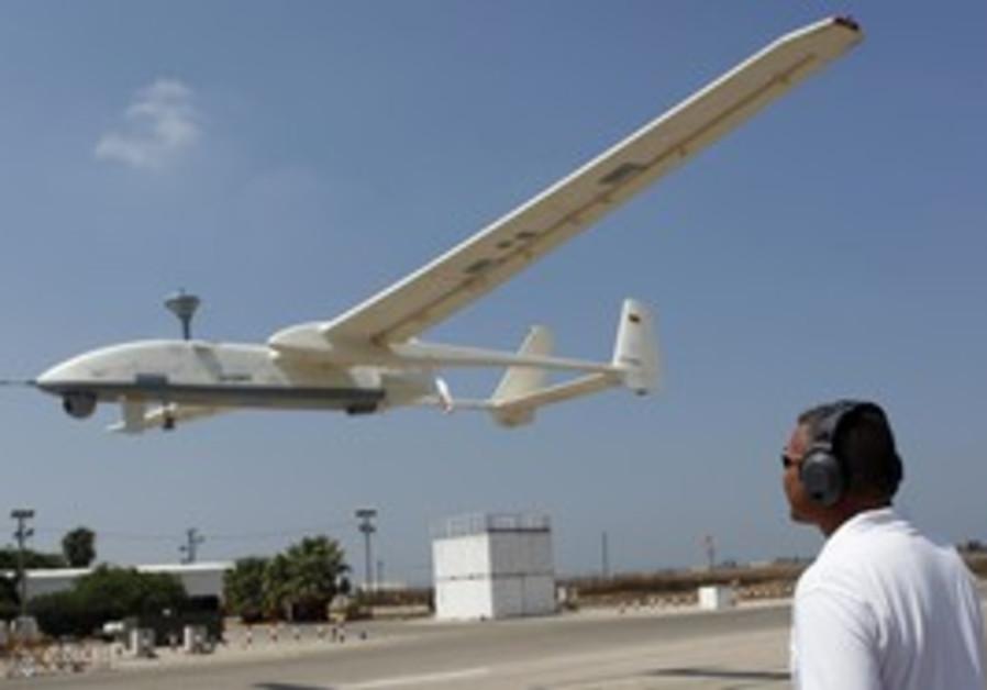 IAI instructor controls drone