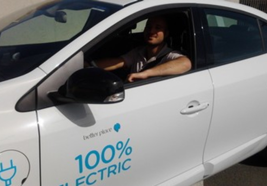 Nadav in Better Place car