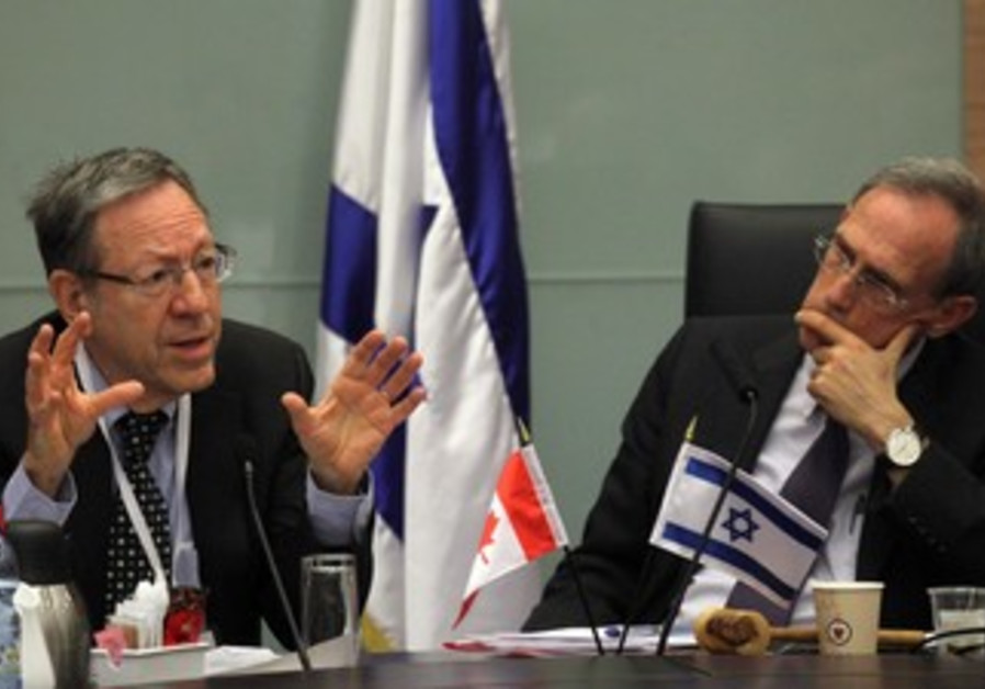 Irwin Cotler (L) at FADC meeting