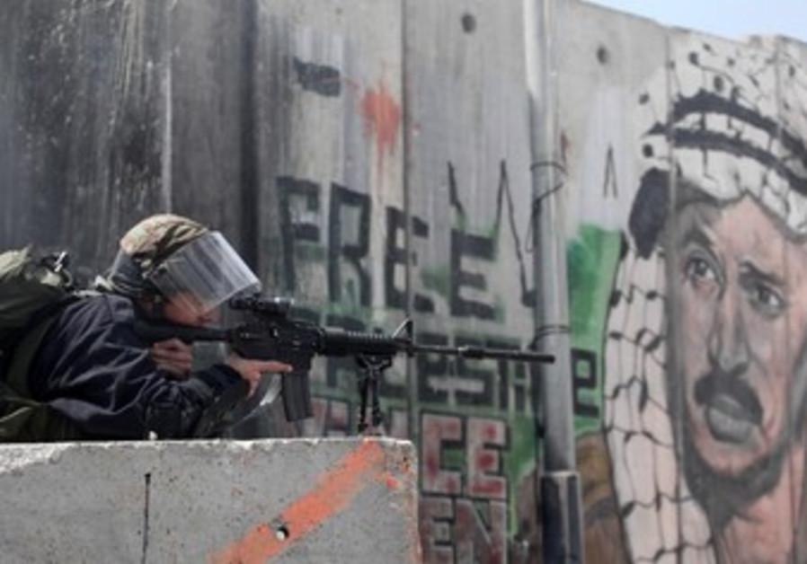 Israeli forces in Kalandia