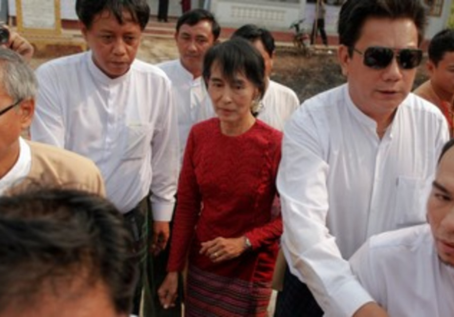 Aung San Suu Kyi at a Myanmar polling station.