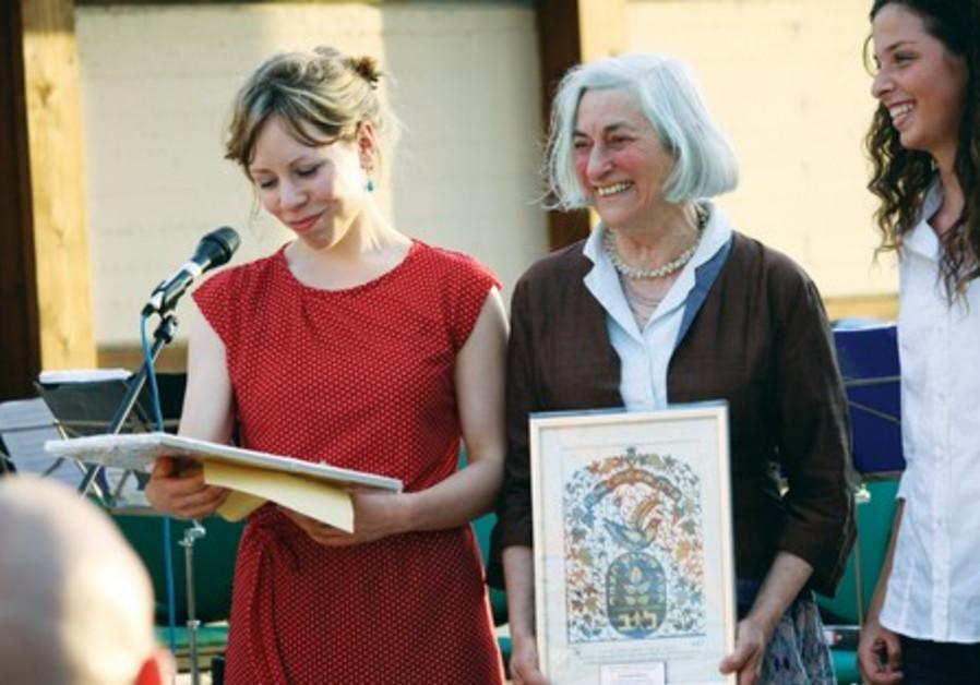SARAH BARACS (left), granddaughter of Hester Barac