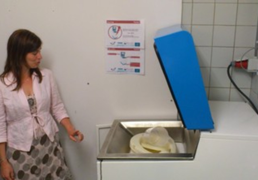 Organic plastic Olla bedpans in the Netherlands