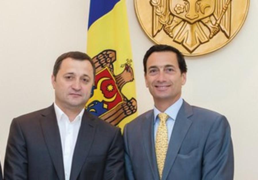 Moldovan PM (left,) Matthew Bronfman