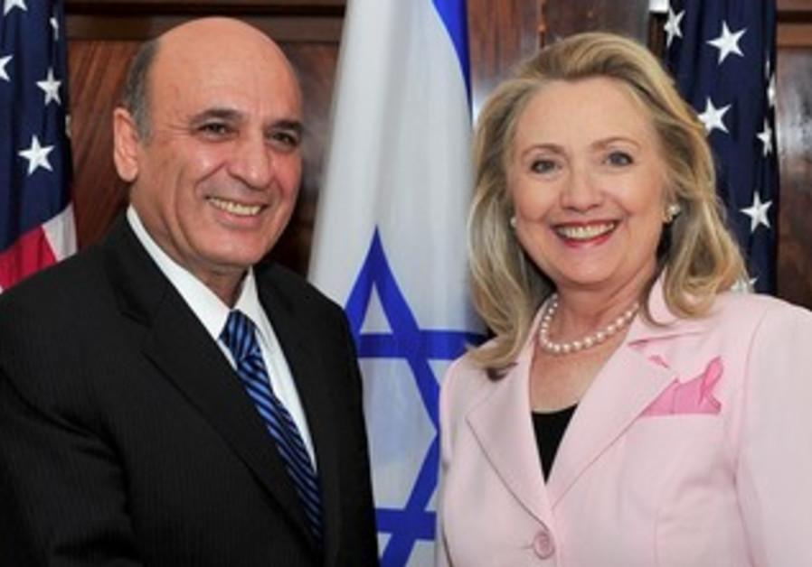 Vice Premier Mofaz meets Clinton in Washington
