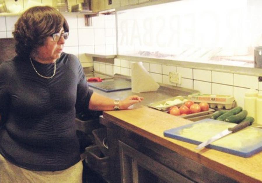 VISITING THE Efrat Burgers Bar