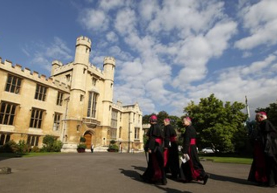 Bishops arrive at London's Lambeth Palace