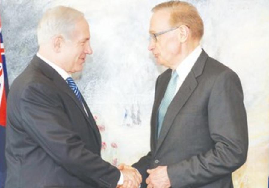 Netanyahu with Australian FM Bob Carr