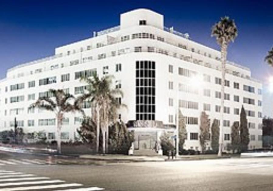 Santa Moniva's Hotel Shangri-La.