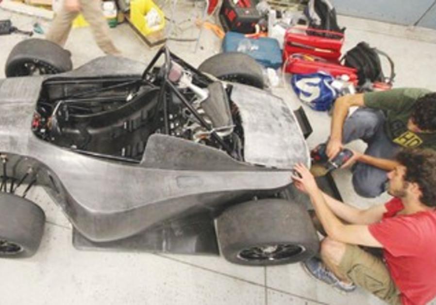 Israeli students build race car
