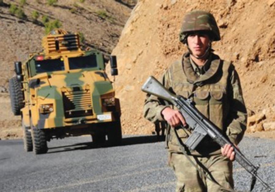 Turkish soldier near Iraq border.