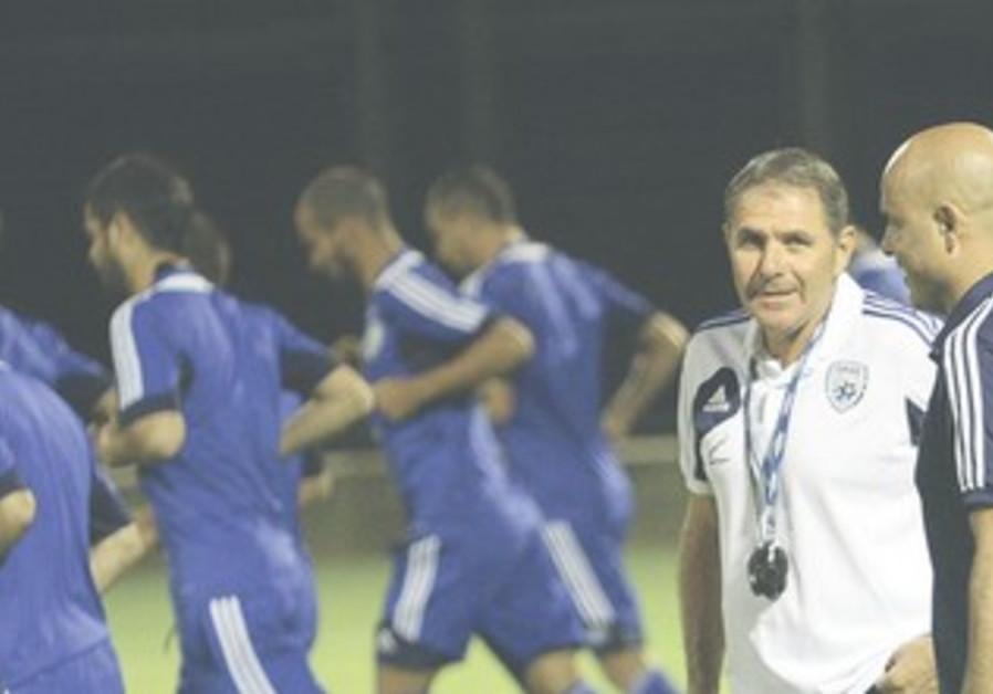 ISRAEL COACH Eli Gutman, Yossi Abuksis