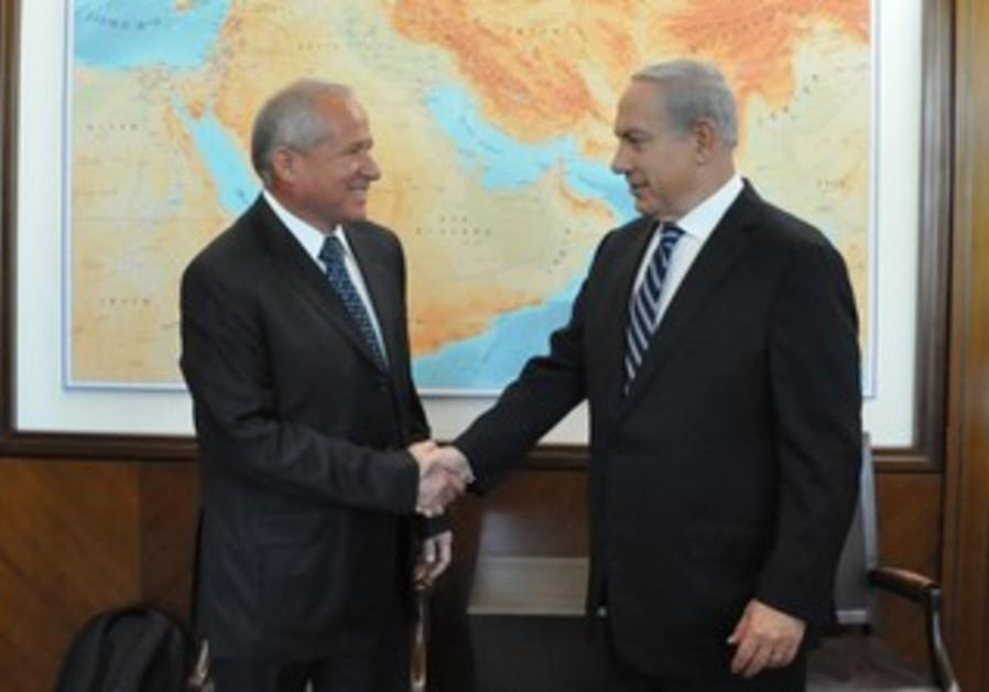 Avi Dichter and Prime Minister Binyamin  Netanyahu