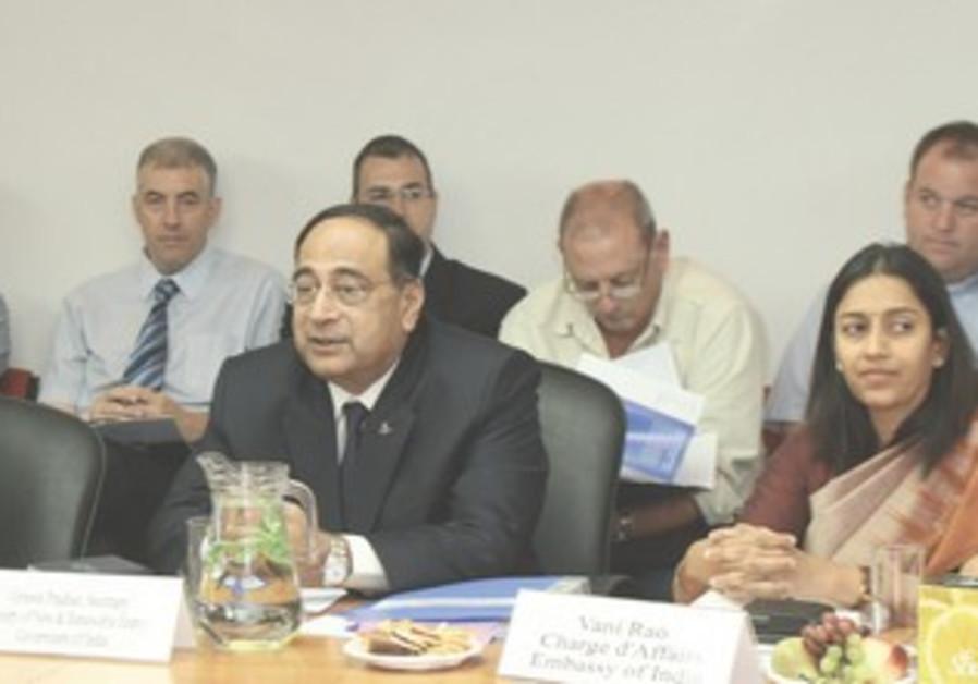 Gireesh Pradhan, members of Indian delegation