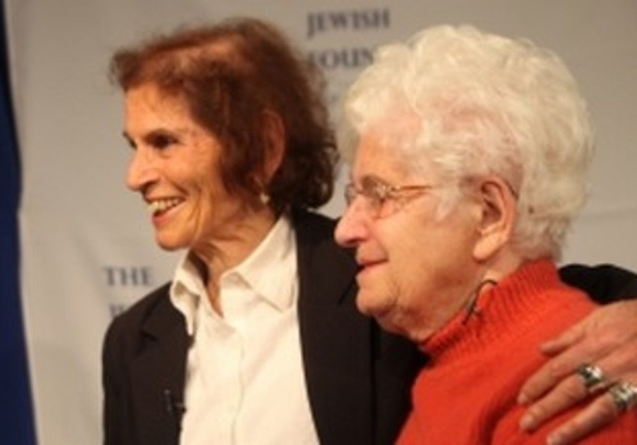 Holocaust survivor reunites with rescuer
