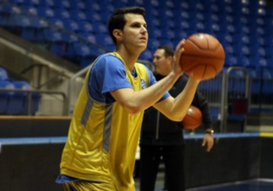 GUY PNINI returns to train with Maccabi Tel Aviv