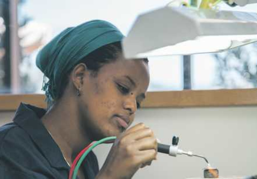 Yvel absorption program jewellry making 521