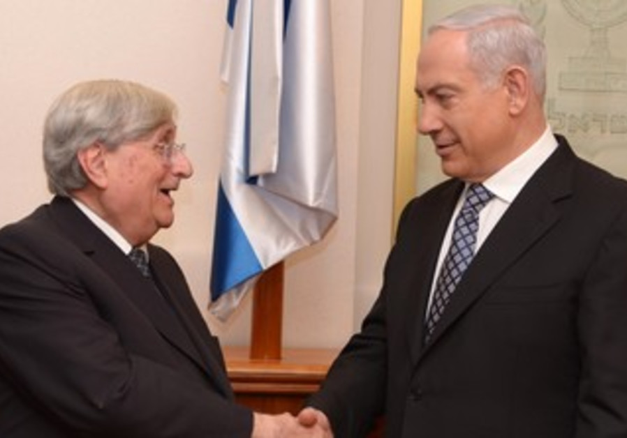 Prime Minister Binyamin Netanyahu meets with Judge Jacob Turkel, February 6, 2013.