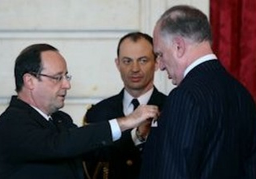 Paris: French president honors WJC leader in ceremony, February 6, 2013.