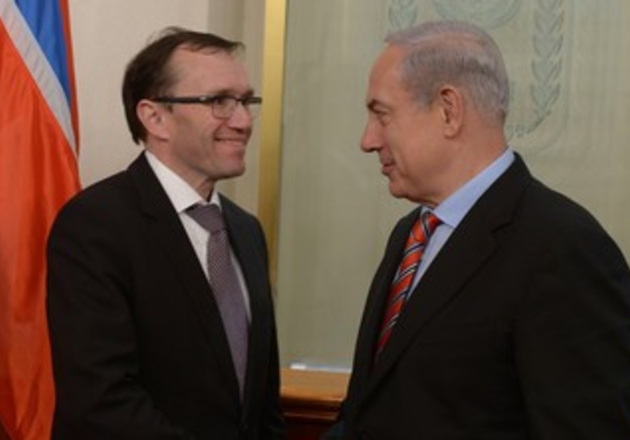 Netanyahu with Norwegian FM Espen Eide in J'lem