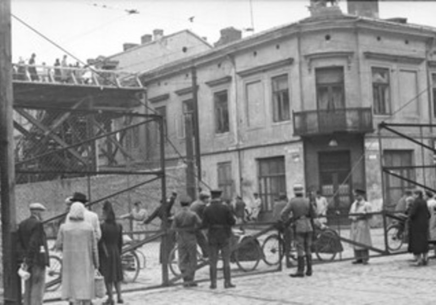 Warsaw Ghetto: Żelazna Street (looking East) from the intersection with Chłodna Street, June 1942.