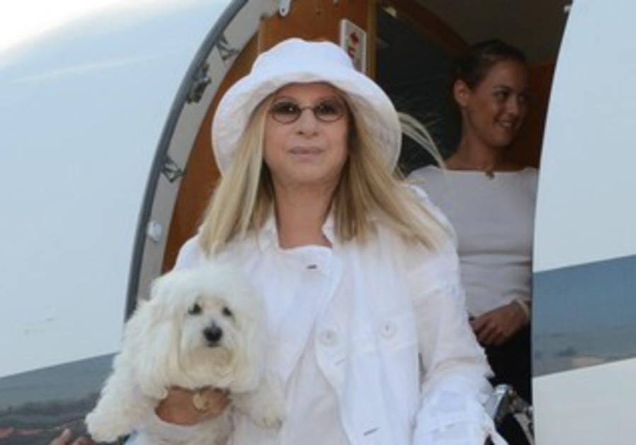 Barbara Streisand arrives n at Ben-Gurion Airport , June 15, 2013.