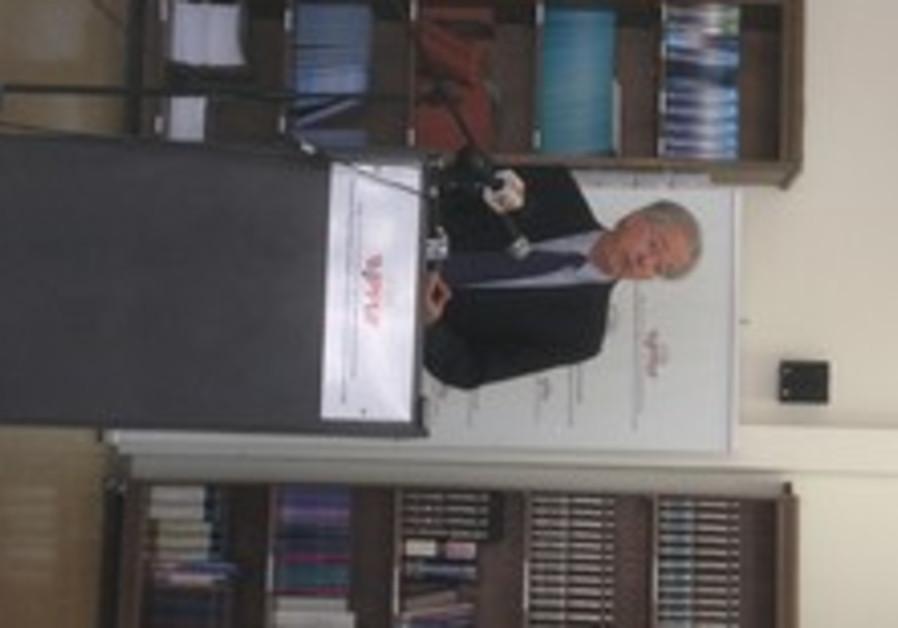 US AMBASSADOR Dennis Ross presents JPPI's findings at Hebrew University.