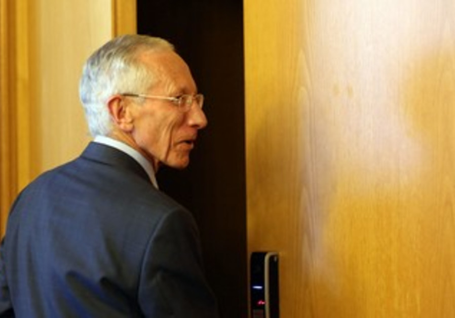 Outgoing BoI Governor Stanley Fischer 370