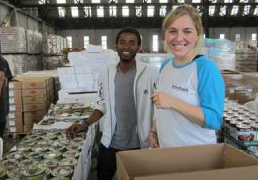 Aardvark participants volunteering