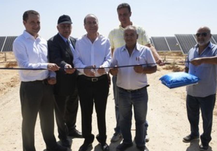 Energy and Water Minister, MK Silvan Shalom, CEO Sanfawr Israel, Uri bunch of ornamental Foundation