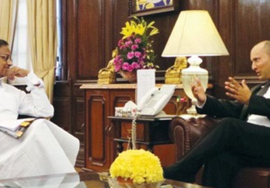 Minister Bennett with Indian Finance Minister Palaniappan Chidambaram.