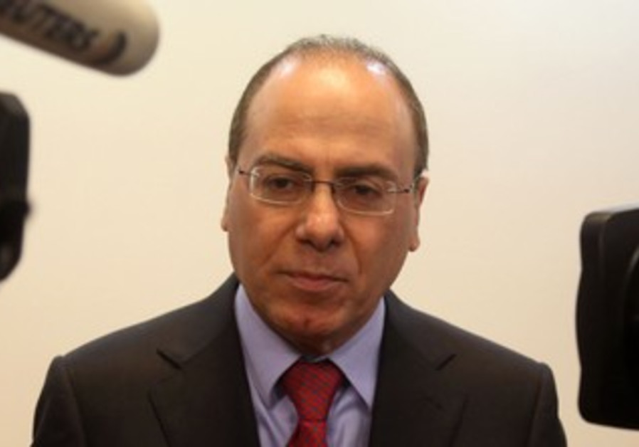 Energy and Water Minister Silvan Shalom at the weekly cabinet meeting, October 20, 2013.