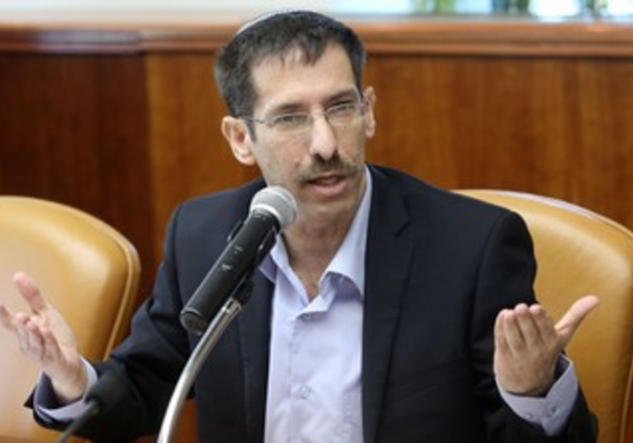Senior Citizens Minister Uri Orbach at the weekly cabinet meeting, October 20, 2013.