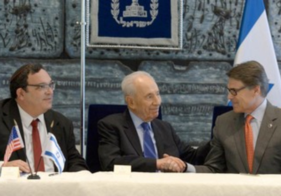 Education Min. Piron, President Peres, and Texas Gov. Perry