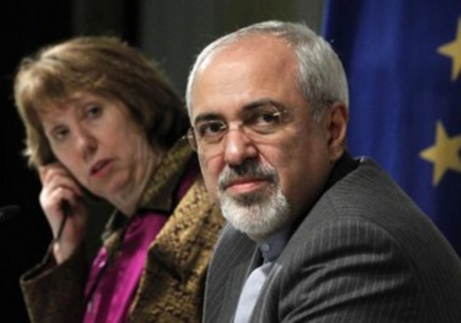 EU foreign policy chief Catherine Ashton (L) and Iranian FM Mohammad Javad Zarif.