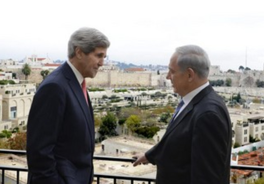 PM Binyamin Netanyahu and US Secretary of State John Kerry, December 6, 2013.